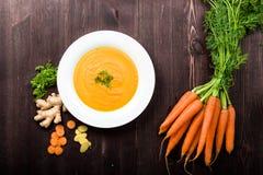 Σούπα πιπεροριζών καρότων Στοκ Φωτογραφία