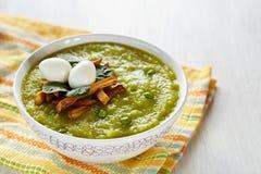 σούπα πράσινων μπιζελιών μπρόκολου Στοκ εικόνα με δικαίωμα ελεύθερης χρήσης