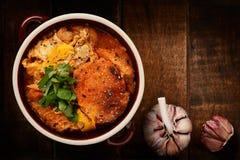 Σούπα σκόρδου με τα αυγά και το ψωμί, κουζίνα ύφους της Ισπανίας Στοκ Εικόνες