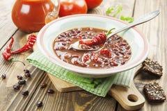 Σούπα τσίλι με τα κόκκινα φασόλια και τα πράσινα στοκ φωτογραφία