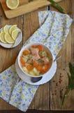 Σούπα ψαριών (πέστροφα) στοκ εικόνες