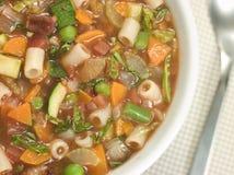 σούπα minestrone κύπελλων Στοκ φωτογραφία με δικαίωμα ελεύθερης χρήσης