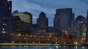 Σούρουπο οριζόντων πόλεων του Μανχάταν Νέα Υόρκη που καθιερώνει τον πυροβολισμό φιλμ μικρού μήκους