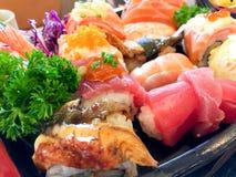 Σούσια καθορισμένα - ιαπωνικά τρόφιμα Στοκ εικόνα με δικαίωμα ελεύθερης χρήσης