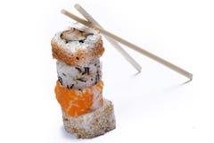 Σούσια κατατάξεων με chopsticks στοκ φωτογραφία