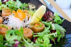 σούσια σολομών σαλάτας Στοκ Εικόνα