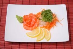 Σούσια σολομών με το wasabi Στοκ Εικόνες