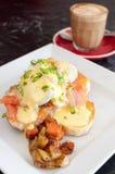 σολομός αυγών του Benedict πο&upsilon Στοκ Εικόνες