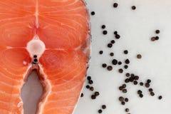 Σολομός και μαύρο πιπέρι στοκ εικόνες με δικαίωμα ελεύθερης χρήσης