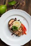 Σολομός μπριζόλας ψαριών Στοκ φωτογραφία με δικαίωμα ελεύθερης χρήσης