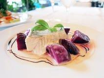 Σολομός σε ένα πιάτο Στοκ εικόνα με δικαίωμα ελεύθερης χρήσης