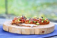 Σολομός tartare με το αβοκάντο Στοκ εικόνα με δικαίωμα ελεύθερης χρήσης