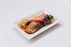 Σολομός Teriyaki: Τηγανισμένος μαριναρισμένος σολομός με τη σάλτσα Teriyaki Στοκ Φωτογραφία