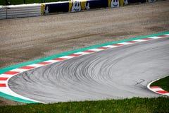 Σπάζοντας γραμμές σε μια γωνία raceway στοκ φωτογραφία με δικαίωμα ελεύθερης χρήσης