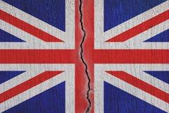 Σπάσιμο σημαιών της Μεγάλης Βρετανίας χώρια, ραγισμένη σημαία - έννοια Brexit διανυσματική απεικόνιση