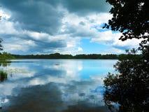 Σπάσιμο στα σύννεφα Στοκ εικόνες με δικαίωμα ελεύθερης χρήσης