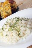 Σπάδικες καλαμποκιού που μαγειρεύονται σε μια σχάρα Στοκ Εικόνα