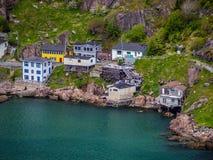 Σπίτια από το λόφο σημάτων στο ST John ` s Στοκ εικόνα με δικαίωμα ελεύθερης χρήσης