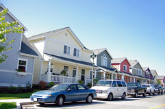 σπίτια αυτοκινήτων στοκ φωτογραφία με δικαίωμα ελεύθερης χρήσης