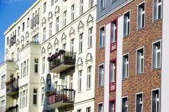 Σπίτια διαμερισμάτων του Βερολίνου Στοκ φωτογραφία με δικαίωμα ελεύθερης χρήσης