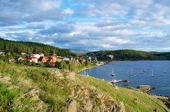 Σπίτια και γιοτ Στοκ εικόνες με δικαίωμα ελεύθερης χρήσης