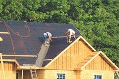 σπίτια κατασκευής νέα Στοκ φωτογραφία με δικαίωμα ελεύθερης χρήσης