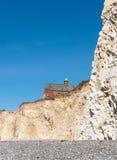 Σπίτια κοντά στην άκρη απότομων βράχων Στοκ φωτογραφία με δικαίωμα ελεύθερης χρήσης