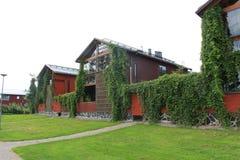 Σπίτια με τους διαχωριστικούς φράχτες Στοκ εικόνα με δικαίωμα ελεύθερης χρήσης