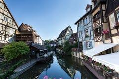 Σπίτια ξύλινων πλαισίων της Colmar στοκ φωτογραφία