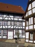 σπίτια που εφοδιάζονται με ξύλα μισά στοκ εικόνες