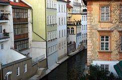σπίτια Πράγα στοκ εικόνες