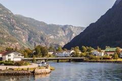 Σπίτια στα βουνά Στοκ εικόνες με δικαίωμα ελεύθερης χρήσης