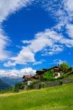Σπίτια στην κοιλάδα Aosta. Άλπεις, Ιταλία Στοκ εικόνες με δικαίωμα ελεύθερης χρήσης