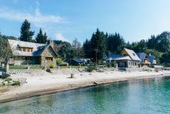 Σπίτια στο λιμάνι Λα Angostura βιλών Στοκ Εικόνα