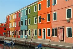 Σπίτια στο νησί Burano μερικά μίλια από τη Βενετία σε Northe Στοκ Εικόνα