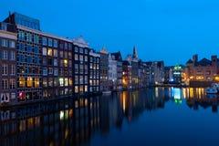 Σπίτια του Άμστερνταμ τη νύχτα Στοκ Φωτογραφίες