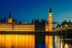 Σπίτια του Κοινοβουλίου τη νύχτα, Λονδίνο Στοκ Φωτογραφίες