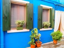 Σπίτια χρώματος στο νησί Burano, Βενετία, Ιταλία Στοκ Εικόνες
