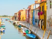 Σπίτια χρώματος στο νησί Burano, Βενετία, Ιταλία Στοκ φωτογραφίες με δικαίωμα ελεύθερης χρήσης
