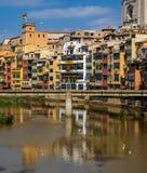 Σπίτια όχθεων ποταμού Girona ` s στο παλαιό τέταρτο στοκ εικόνα με δικαίωμα ελεύθερης χρήσης