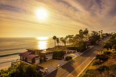 Σπίτια Oceanfront της παραλίας Malibu σε Καλιφόρνια Στοκ Φωτογραφία
