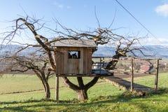 Σπίτι δέντρων - εξοχικό σπίτι - αγρόκτημα Στοκ φωτογραφία με δικαίωμα ελεύθερης χρήσης