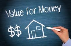 Σπίτι ή σπίτι με το κείμενο - αξία για τα χρήματα Στοκ Φωτογραφίες