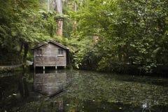 σπίτι βαρκών ξύλινο Στοκ εικόνα με δικαίωμα ελεύθερης χρήσης