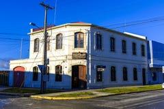 Σπίτι γωνιών στους στο κέντρο της πόλης χώρους Punta στοκ εικόνες
