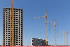 Σπίτι διαμερισμάτων κατοικιών οικοδόμησης νέας κατασκευής Στοκ εικόνα με δικαίωμα ελεύθερης χρήσης