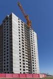 Σπίτι διαμερισμάτων κατοικιών οικοδόμησης νέας κατασκευής Στοκ φωτογραφίες με δικαίωμα ελεύθερης χρήσης