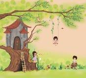 Σπίτι ιστορίας σε ένα δέντρο στοκ εικόνες με δικαίωμα ελεύθερης χρήσης