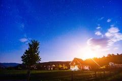 Σπίτι κάτω από τα αστέρια στοκ φωτογραφία
