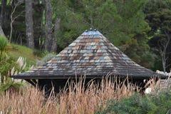 Σπίτι κήπων μεταξύ των καλάμων Στοκ Εικόνες